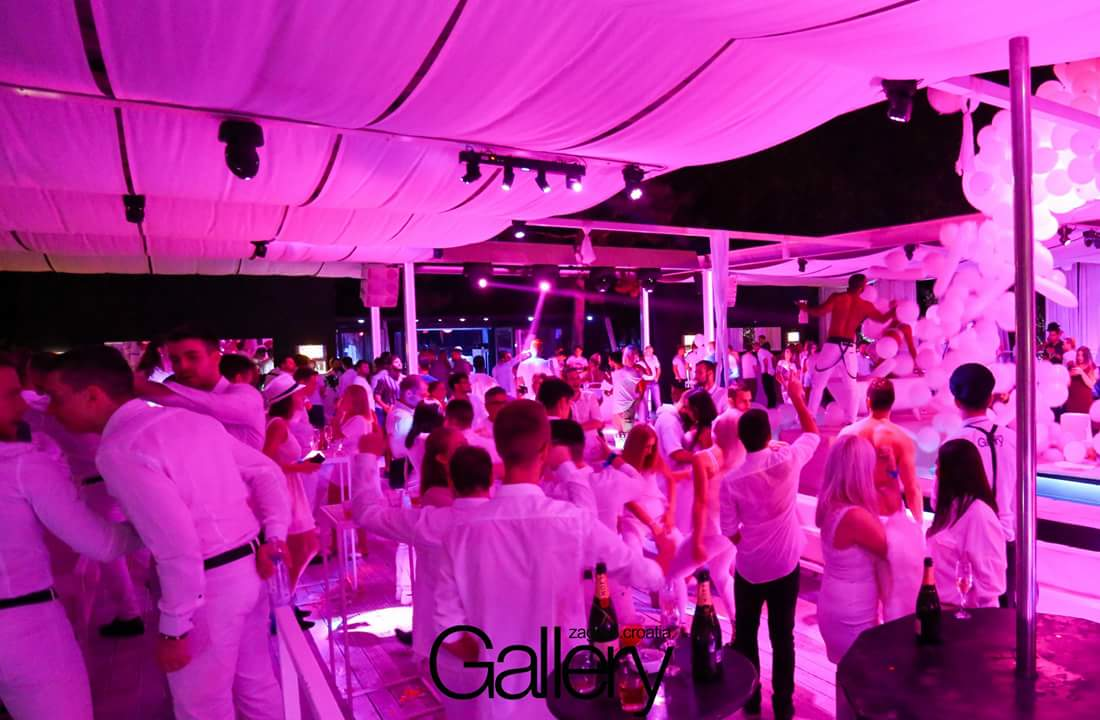 WHITE PARTY @ Gallery Club